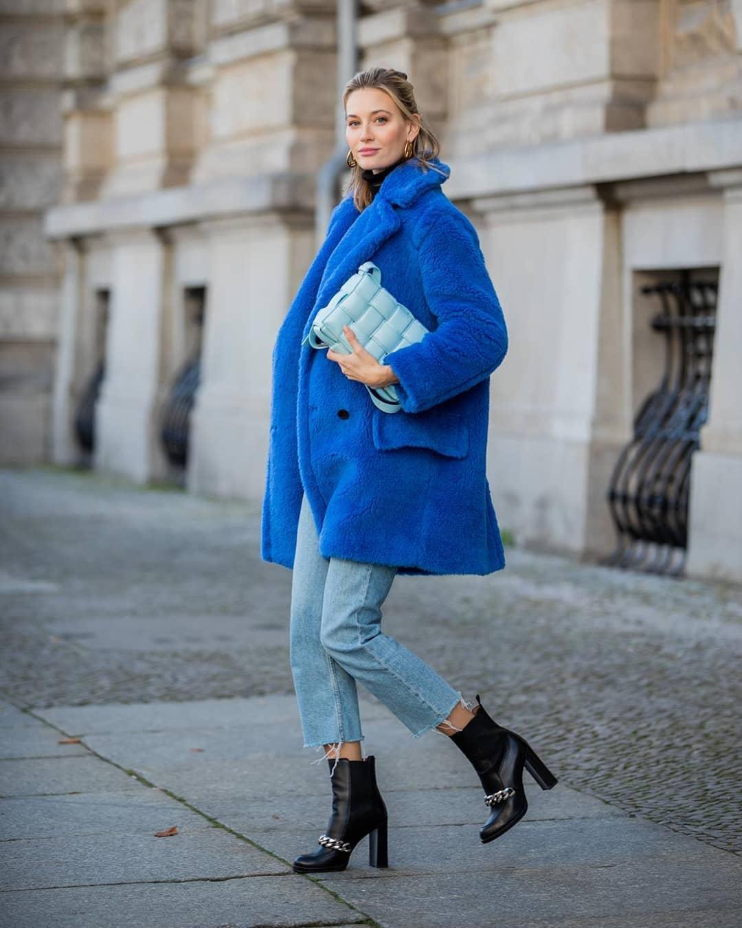 Как и с чем носить синее пальто
